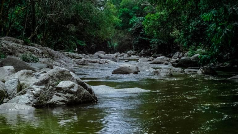 ¿Qué es el Aforo de cuerpos receptores (ríos) e industria?